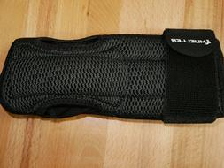 Mueller Sports Medicine Night Support Wrist Brace, Black, On