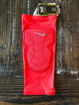 NIKE Pro Combat Hyperstrong Padded Basketball Knee Sleeve Si